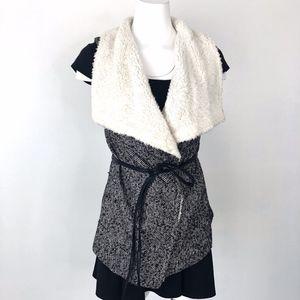 Love Tree | Sherpa Wrap Vest Soft Grey